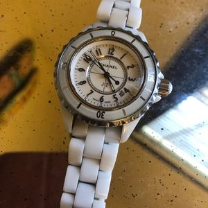 Chanel J12 Ceramic White Quartz Watch